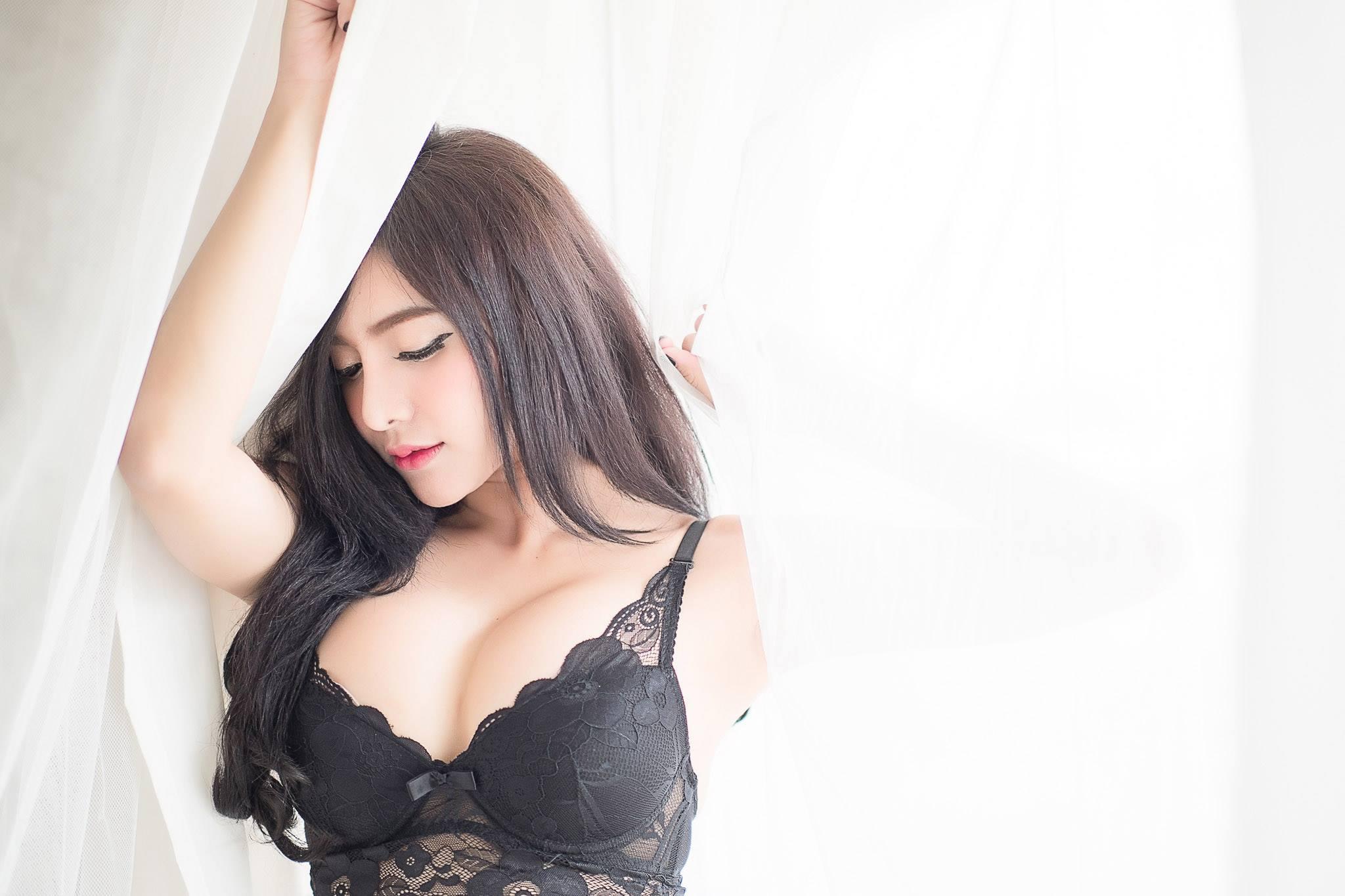 Black Lace - Isara Thamniam