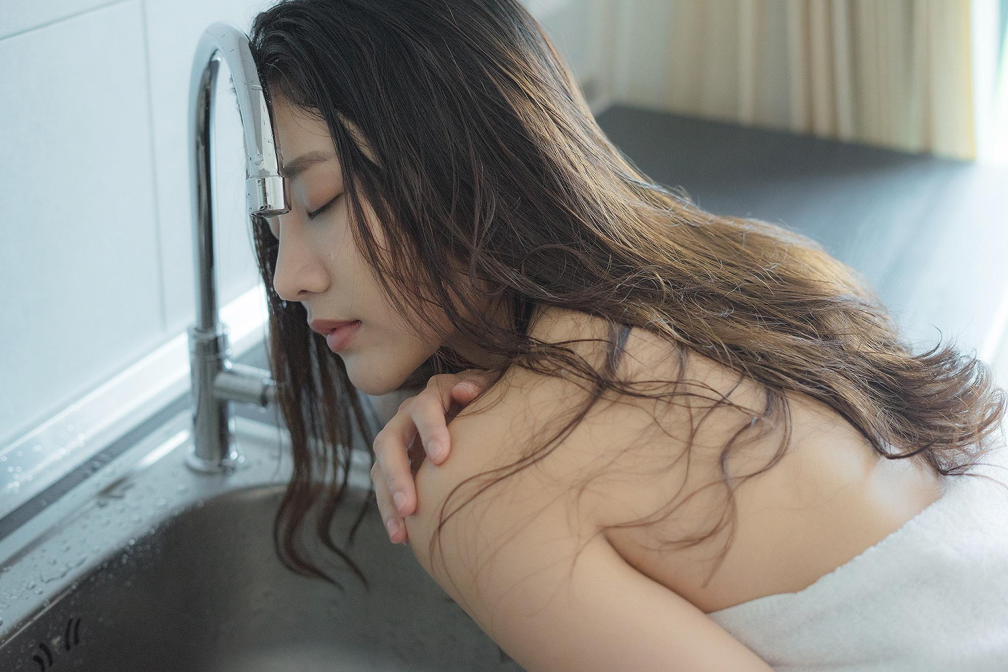 After Shower - Kanyapat Suvinan