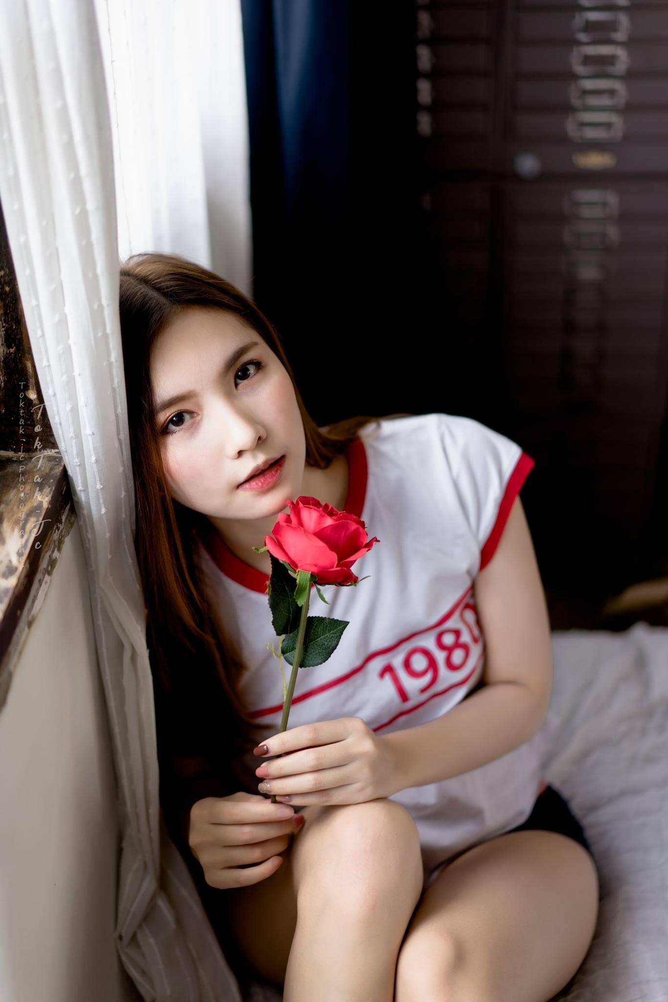 Red Rose - Kwan Onarnong