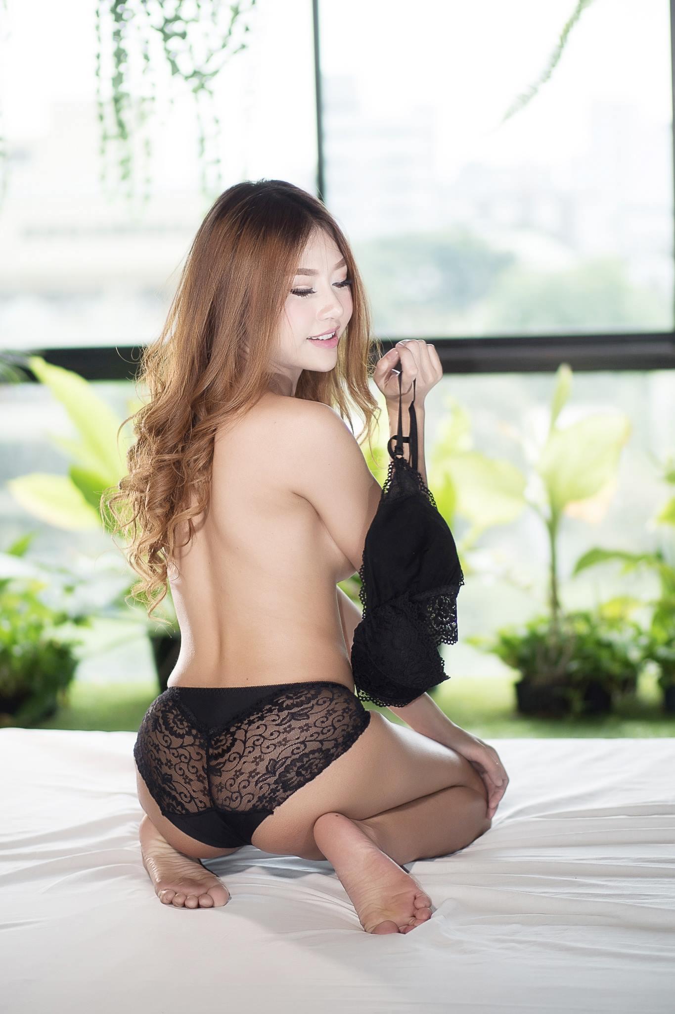 Black Lace - Nirada Guernongkun
