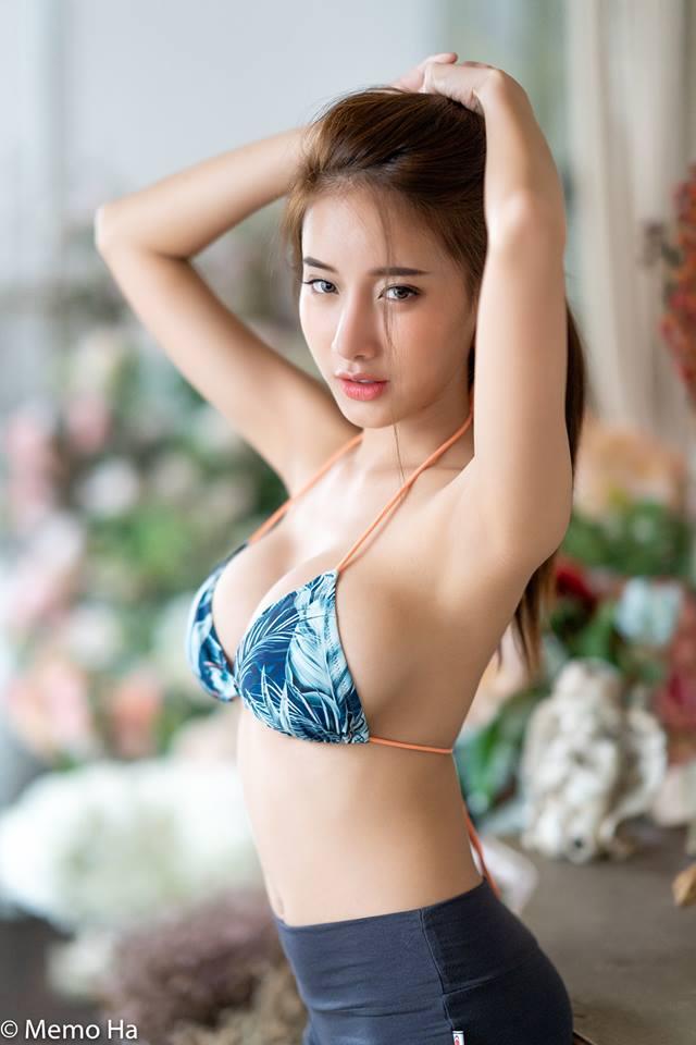 Flowers - Pichana Yoosuk