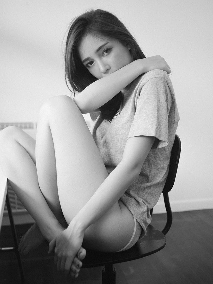 Grayscale - Rossarin Klinhom