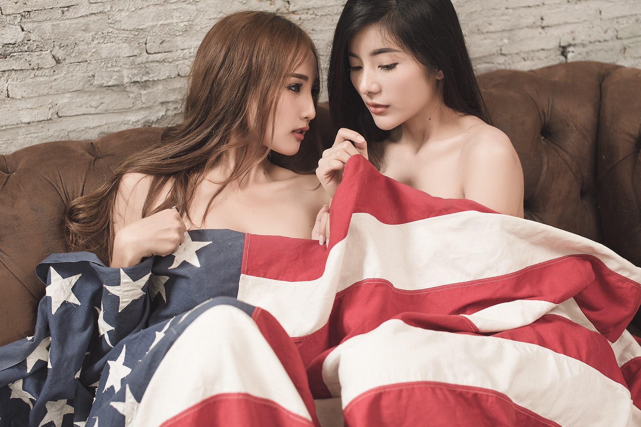 Sisters - Supitcha Boonkumphoung & Ployprabhat Seematammaruk