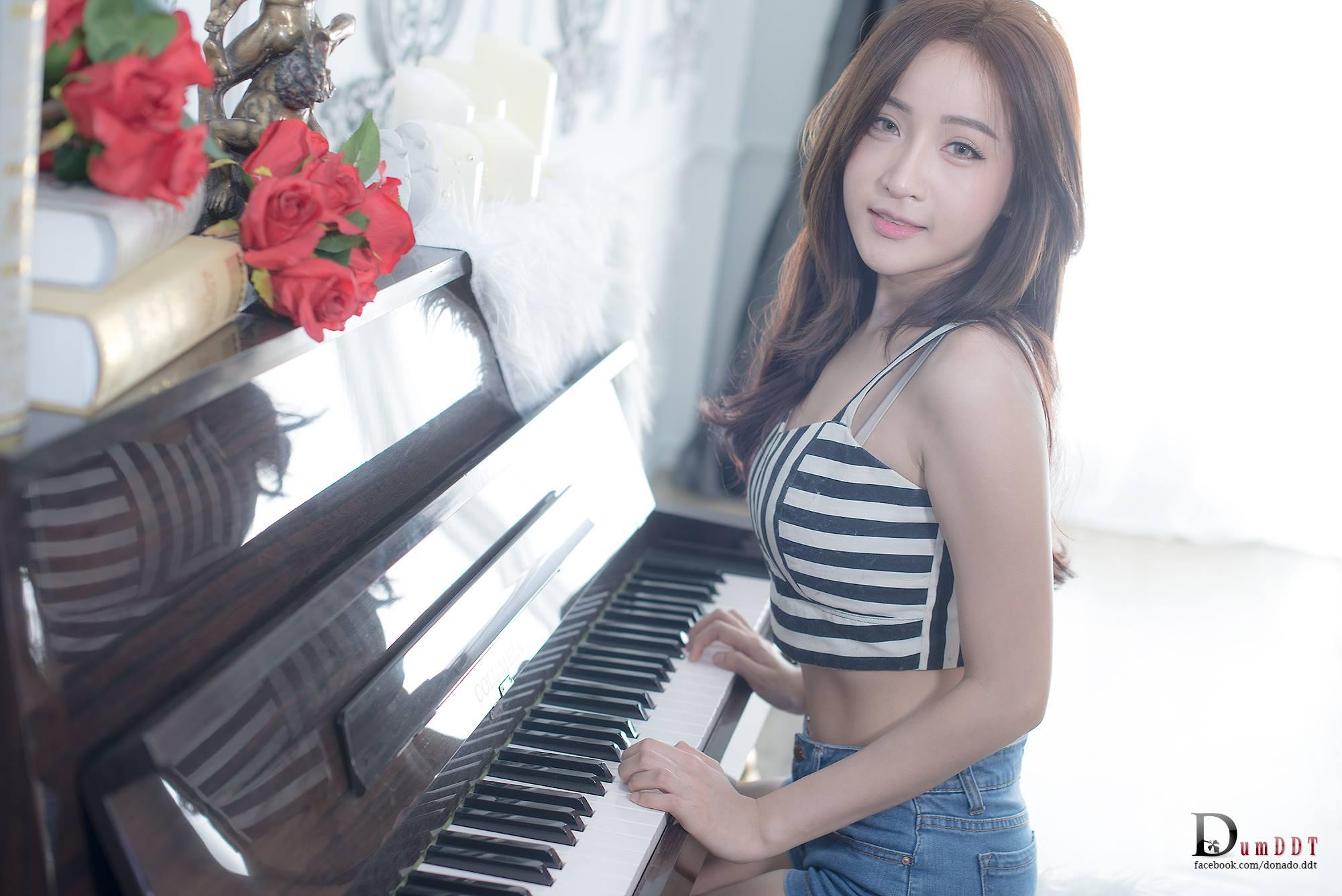 Piano Lessons - Thanyarat Charoenpornkittada