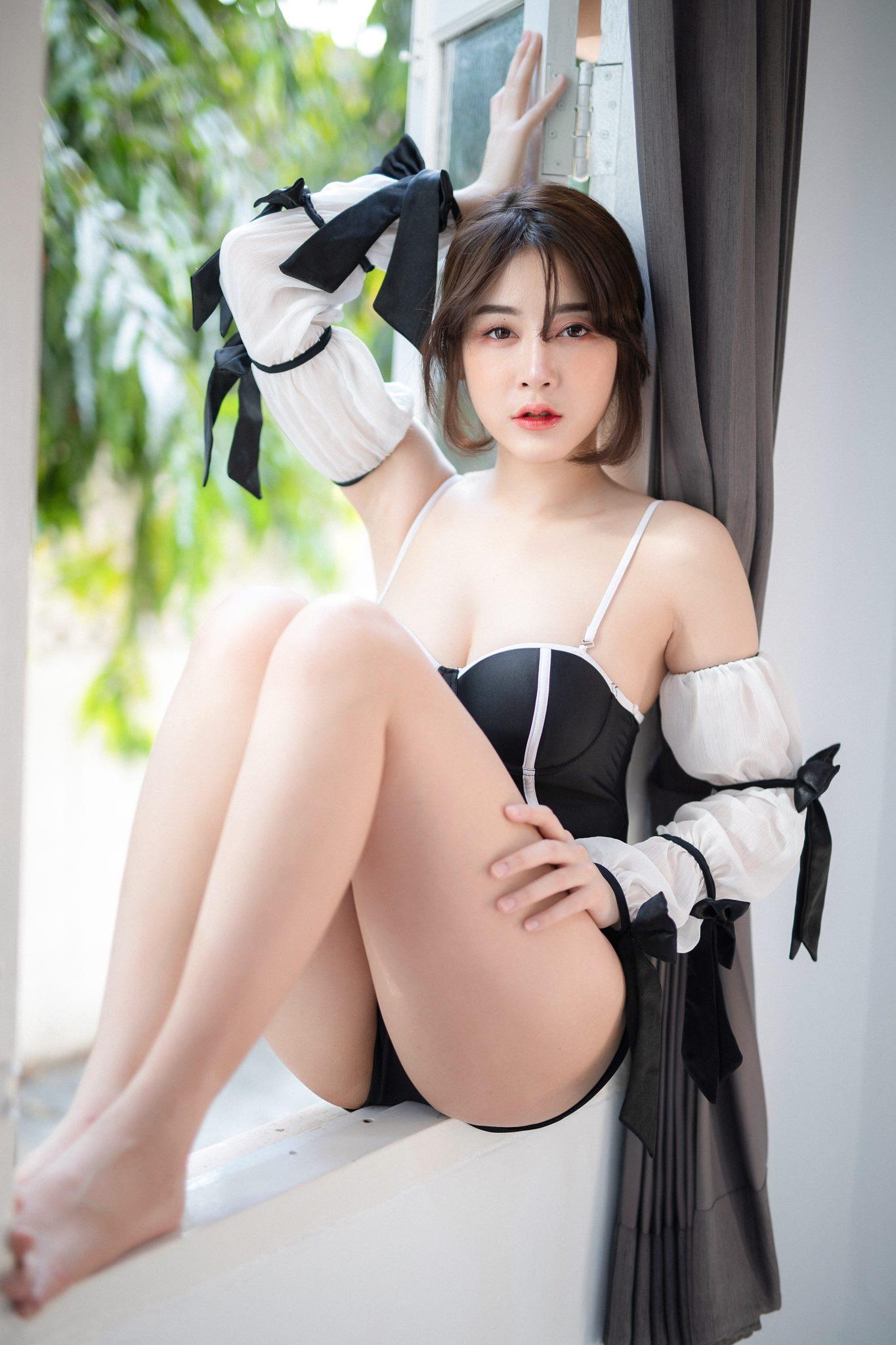 Black & White - Anchalee Wangwan