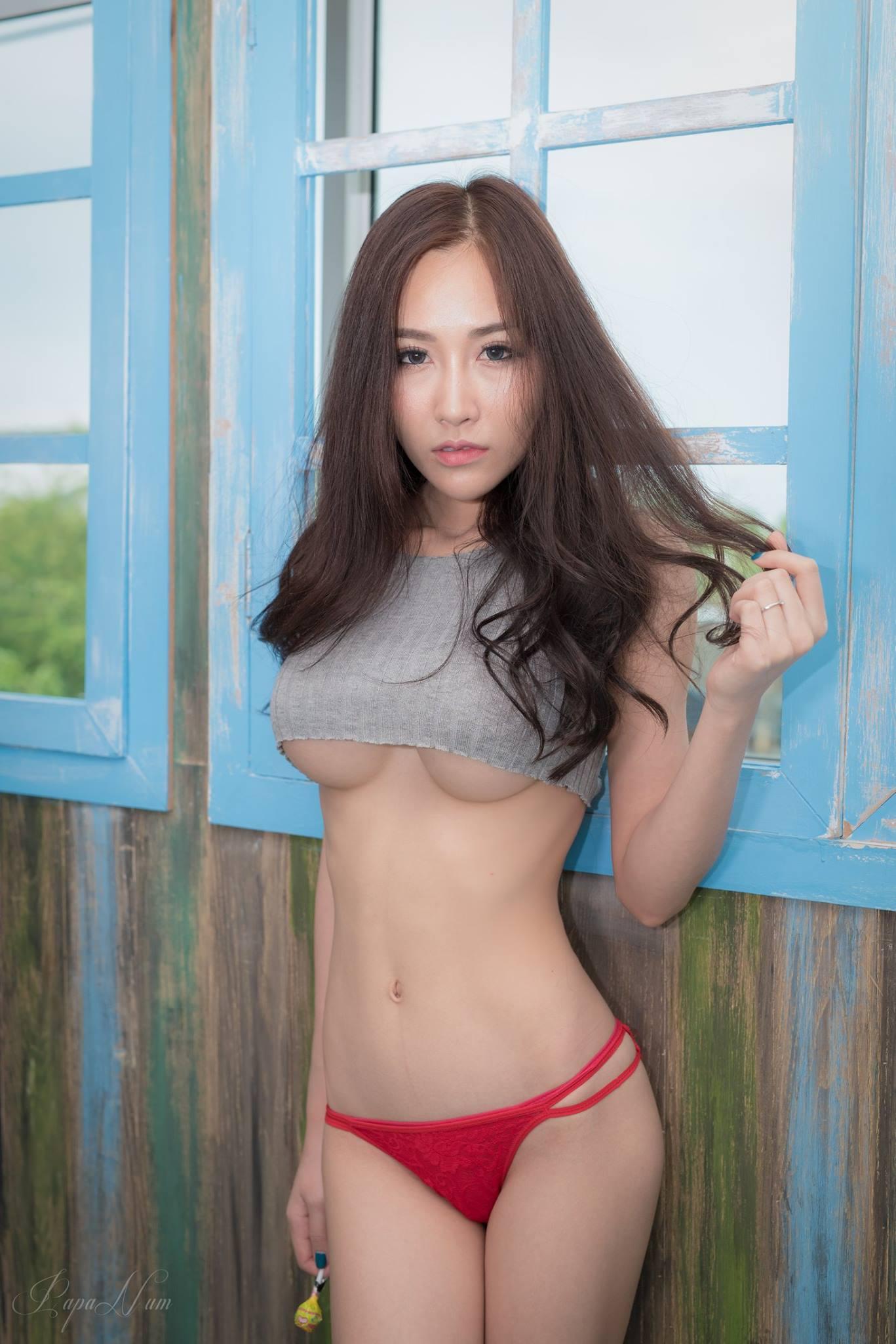 Red Lollipop - Chotip Jandahan